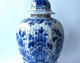 Sale. Free shipping. Original vintage porcelain Delft Blue ginger jar, lidded jar, Porseleyne Fles, collectible China blue