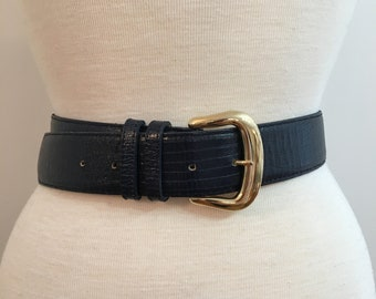 Vintage NAVY LEATHER BELT/ size Medium