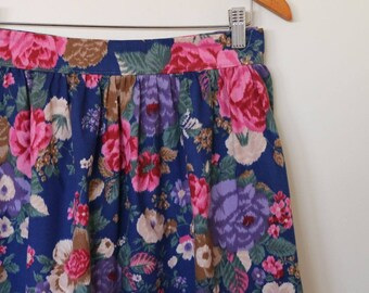 french garden...vintage fabric gathered skirt with side seam pockets