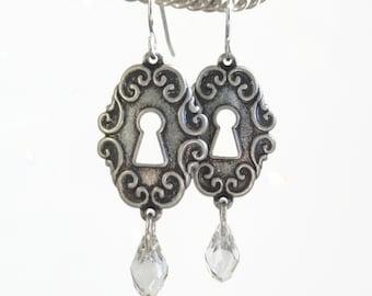 Victoria - key hole earrings - ornate keyhole earrings - victorian style earrings