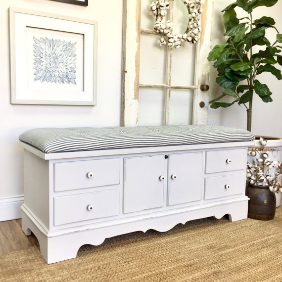 White Shabby Upholstered Bench Cedar Hope Chest with lost of Storage Space for Blankets or Clothes - Mudroom or Entryway Bench