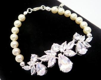 Bridal Bracelet, Crystal Wedding Bracelet, Bridal jewelry, Rose Gold Bracelet, Swarovski bracelet Bridal pearl bracelet, Wedding jewelry