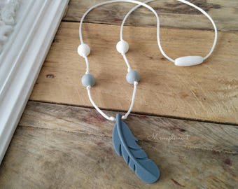 Teething necklace. Feather.