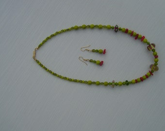 Chartruese and coral necklace
