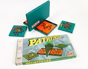 Milton Bradley Pathfinder 1977 VGC, Find A Path To Your Opponent's Hidden Pawn, Vintage 1970s Two Player Tracking Game
