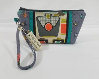Retro Vintage Cameras Clutch with zipper wristlet bag small zippered cosmetic pouch purse