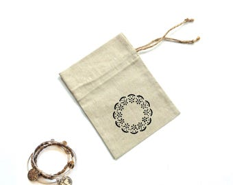Linen fabric gift bag, drawstring pouch, hen party bag, Mothers day pretty gift bags, jewelry favor bag