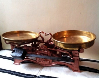 15%Off Antique Market cast iron Scale With Lion and brass Pans- Antique bronze color Cast Iron Kitchen Scale - Antique Market Scale