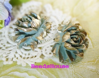 34-00-CA  2pcs Hight Quality Cabbage Rose with Golden Petals -Mint