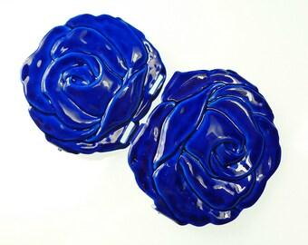 Rose enamel buckles 2-pc hook and eye type