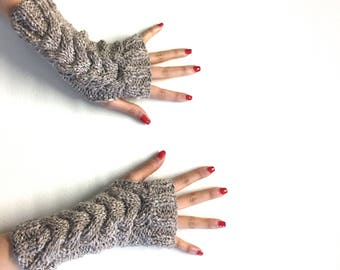 Fingerless Cable Gloves (Taupe)