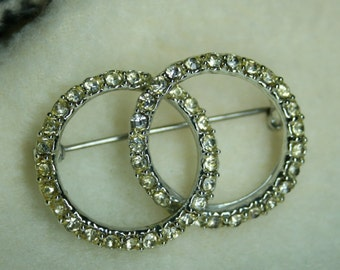Vintage 1950s Rhinestone Brooch Pin | Interlocking Rings Design Silver | Wedding | Bridal | Retro | Infinity | Costume | Glam