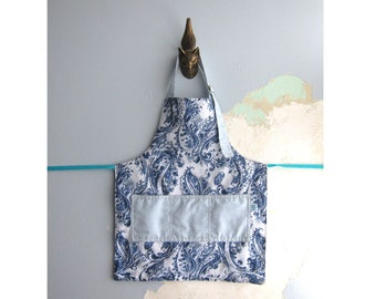Toddler Apron with pockets - Blue paisley
