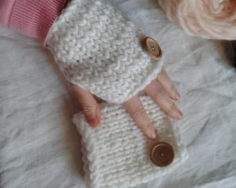 White mitts 100% wool