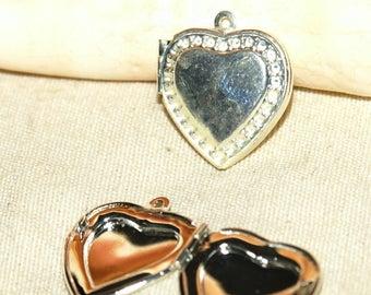 Casserole in 20 X 20 mm silver heart charm pendant