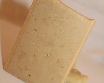 Oats Milk & Honey Artisan Soap / Oats Milk Soap / Oatmeal Soap / Honey Soap