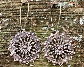 Silver Snowflake Earrings by MinouBazaar