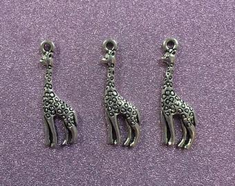 3 Antique Silver Alloy Giraffe Charms