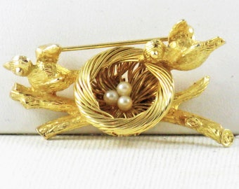 Vintage Gold Tone Faux Pearl Birds and Nest Brooch Pin (B-2-2)