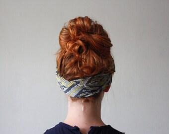 1960's mod print scarf