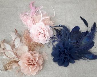 Fascinator Haarschmuck dunkelblau nachtblau puder nude beige Blüte blau Headpiece Kopfschmuck Hochzeit Braut Brautschmuck Trauzeugin Feder