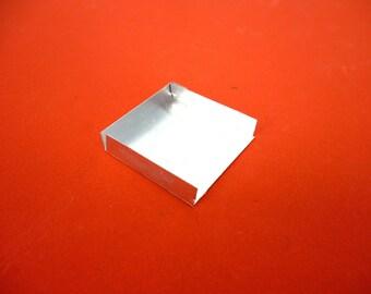 Miniature display tray