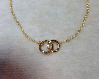 Gold Filled Two Linked Circle Rings, Interconnecting Rings, Hammered Circles, Minimal Layering Necklace 1194