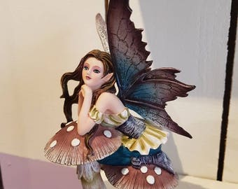 Fairy on mushroom fairy, polysresine statuette