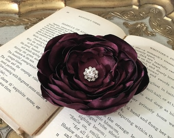 Maroon Flower Hair Clip.Maroon Flower Brooch.Maroon Flower Pin.Bridesmaid.Headpiece.Wedding.Satin Flower.Hair Accessory.Hair Piece.Bordeaux