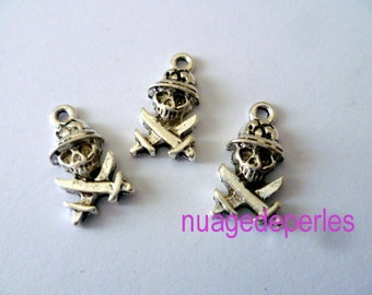 3 skull Gothic Tibetan silver charms