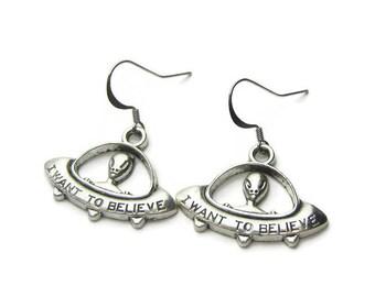 Alien Earrings, UFO Earrings, Alien UFO Earrings, Space Earrings, Outer Space Earrings, Space Alien Earrings, Outer Space Alien Earrings