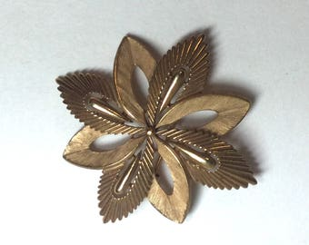 Vintage Trifari Brooch or Pin