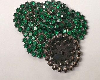 Swarovski Crystal in Emerald Green Plated in Gunmetal in row of 4 (1)