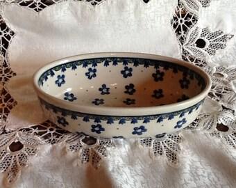 Polish Pottery Small Casserole Dish originates from Boleslawiec, Poland
