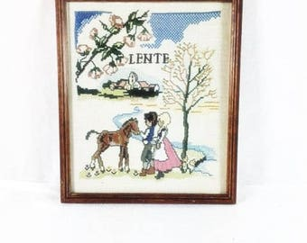Spring Embroidery In Vintage Wooden Frame Dutch Vintage Wooden Frame Decorations Decorative Vintage Wooden Frame Needlepoint