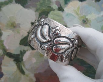 German Silver Cuff Bracelet Hammered 800 Silver Repousse Leaves