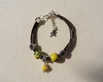 Bracelet style Brown waxed cord Indian