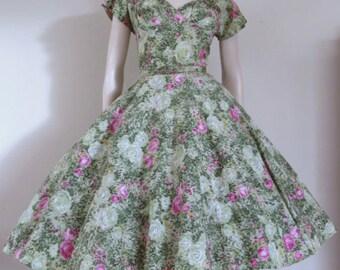 Lovely 1950's Green floral Sun Dress