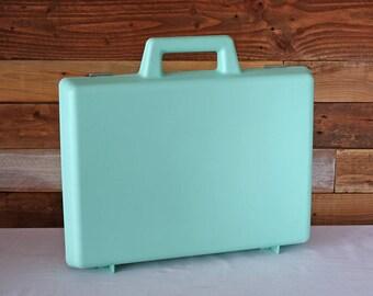 Mallette d'artiste Mallette en plastique Vert Turquoise par Resentel Années 80