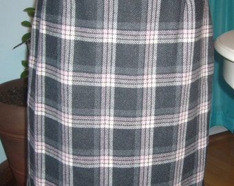 1970s Large Plaid Brown and Beige, Pencil Skirt.