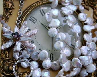 Blooming time necklace