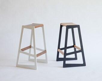 Barstuul  - Asymmetrical Bar Stool
