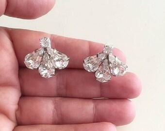 bridesmaid crystal earrings, Clear crystal Earrings, stud or clip on, wedding sparkly earrings, Vintage Style, Wedding earrings,