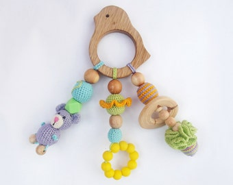 Crochet teether on a clip Wooden crochet teething toy New mom gift Eco friendly toys Natural toy Silicone teether Rattle Mother's day sale
