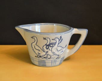 "Louisville Stoneware 8 oz Creamer Pitcher, Gaggle of Geese, 3"", Gray Blue 3 Geese, Handle"