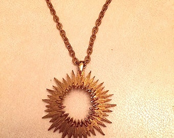Vintage 1970s Gold Plated Sarah Coventry Sunburst Necklace
