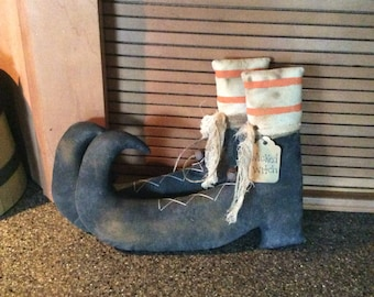 Small primitive witch boots