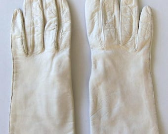Vintage 60's Gloves White Leather Lined Made in Italy Size 6.5