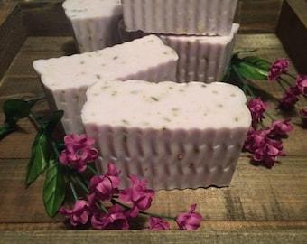 Lavender & Chamomile Goatsmilk Soap