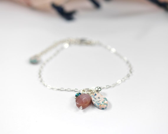 Sterling silver pink bracelet 'Reseda' with mother of pearl and flower patterned beads